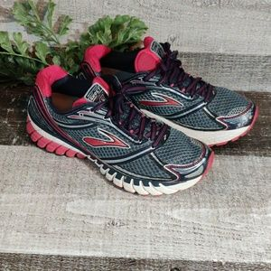 Brooks Ghost mogo running shoes 9.5